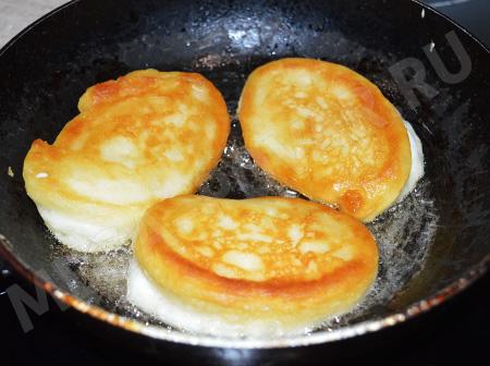 Пышные оладьи на кефире без яиц