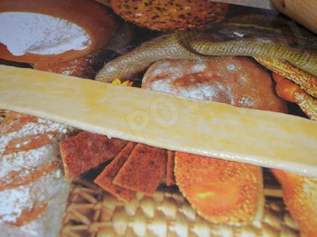 Слойки с сыром из слоеного теста