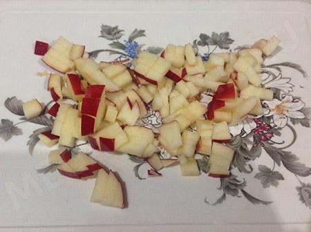 Яблочный штрудель из слоеного теста