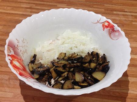 Салат с баклажанами и кукурузой