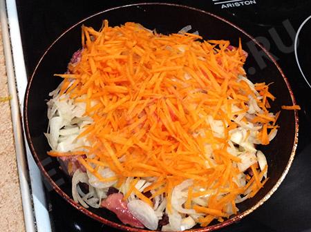 Куриная печень с морковью